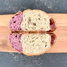 לחם מחמצת לבן עם בטטה סגולה.JPG