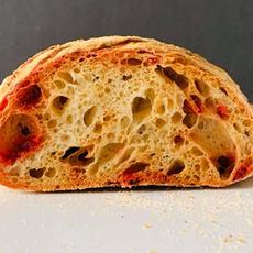 לחם מחמצת עם סלק.jpg