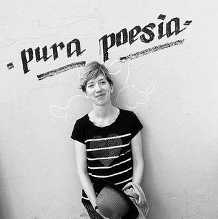 Rosa Cuadrado Poeta.jpg
