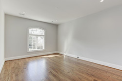 094_6600_CHESTERFIELD_AVE_214659_308681.