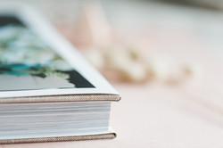 Einband mit Buchumschlag