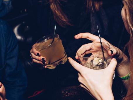 Alcarelle, la bebida que promete remplazar al alcohol con una borrachera sana y sin resaca