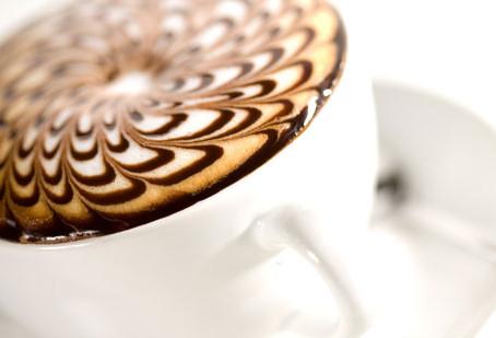 ¿Cómo tu cerebro se vuelve adicto a la cafeína?