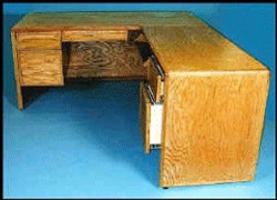 1115-R Desk with Right Return