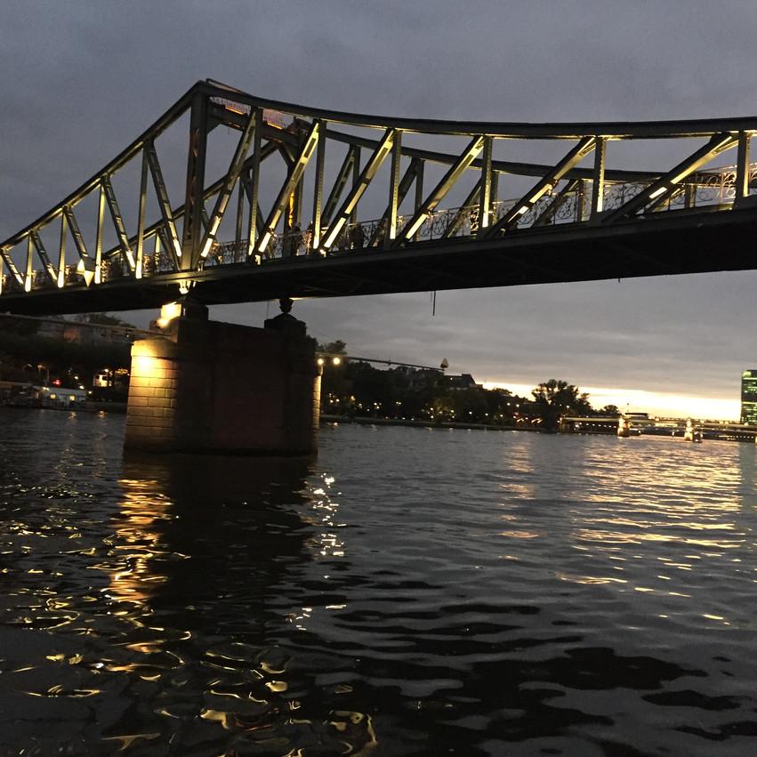 גשר על המיין