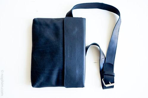 BLACK CLICK BAG