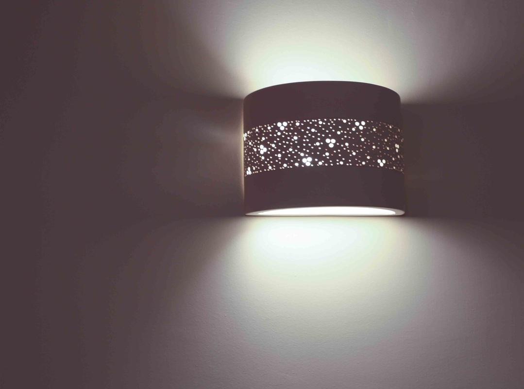 מנורת קיר קרמיקה