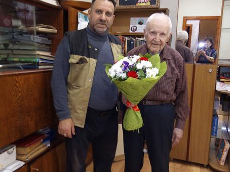 Коммунисты Салаватского городского комитета КПРФ поздравили ветерана Второй Мировой войны