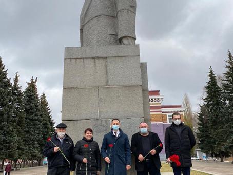 7 ноября 2020г Состоялось возложение цветов к памятнику основателю Советского государства В.И.Ленину