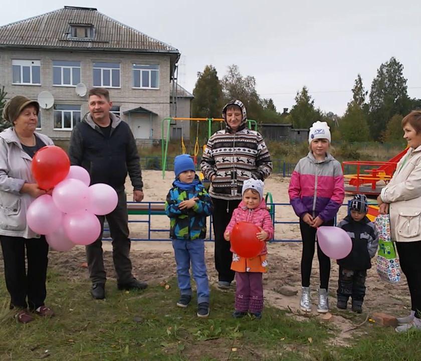 ТОС «Челмужане» реализовали социально значимый проект «Установка детской площадки»