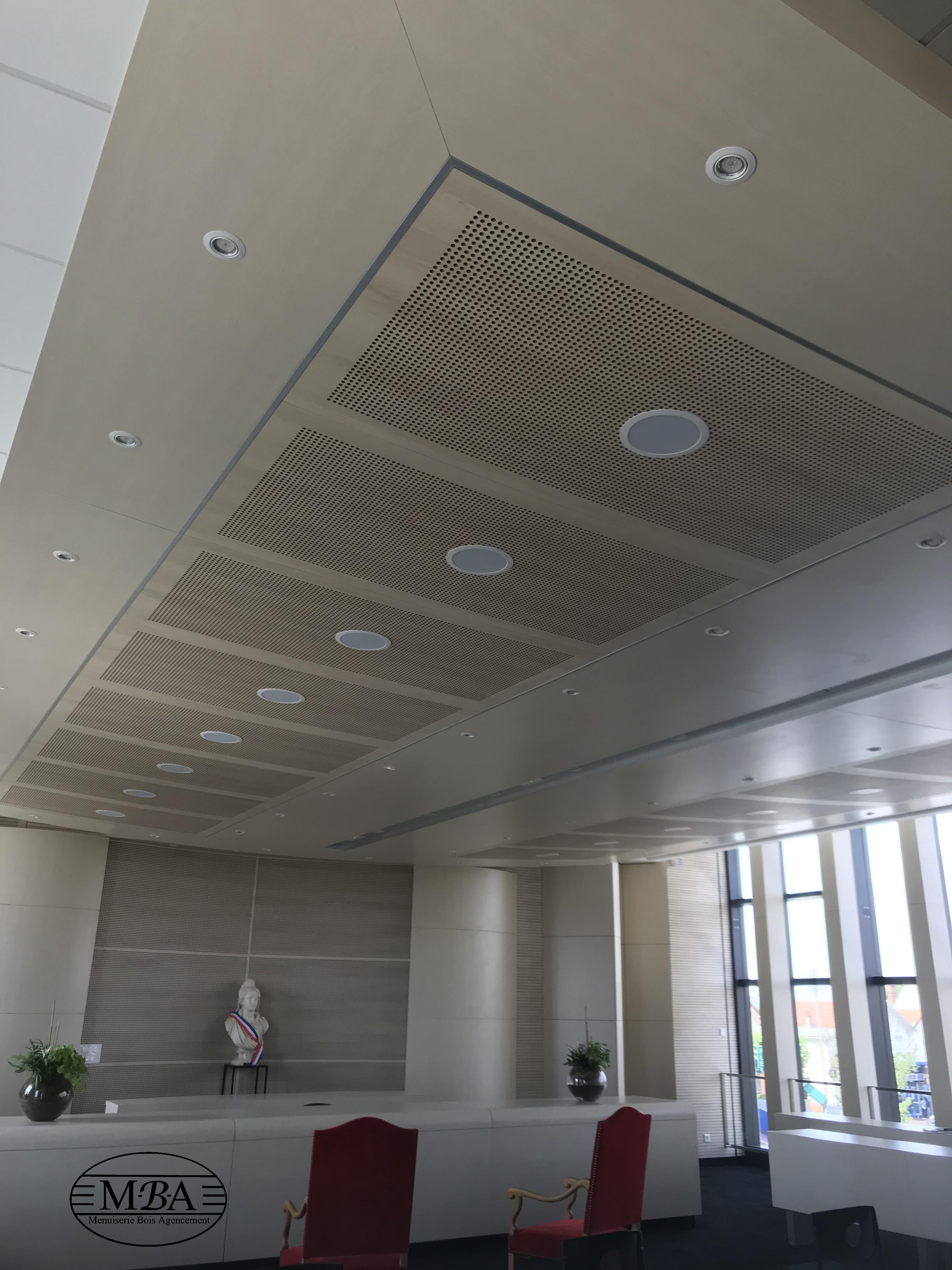 Plafond bois - Paray vieille poste