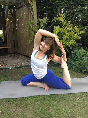 yoga pose pigeon kapotasana