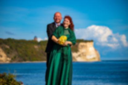 Kap Arkona Leuchtturm, heiraten auf Rügen zu zweit, Hochzeitsfotograf Rügen, Fotograf Hochzeit Kap Arkona fotografiert Trauung und Brautpaar Shooting Steilküste Ostseestrand Fischerdorf Vitt.