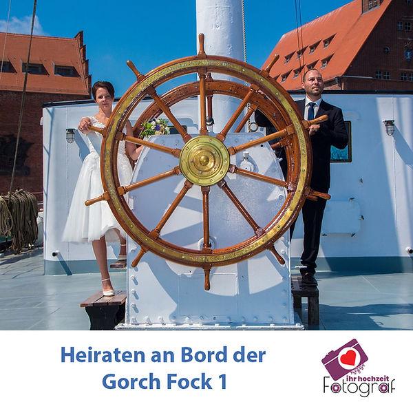 heiraten in stralsund, fotograf hochzeit stralsund, preiswerter hochzeitsfotograf, heiraten auf ehemaliges Segelschulschiff gorch fock