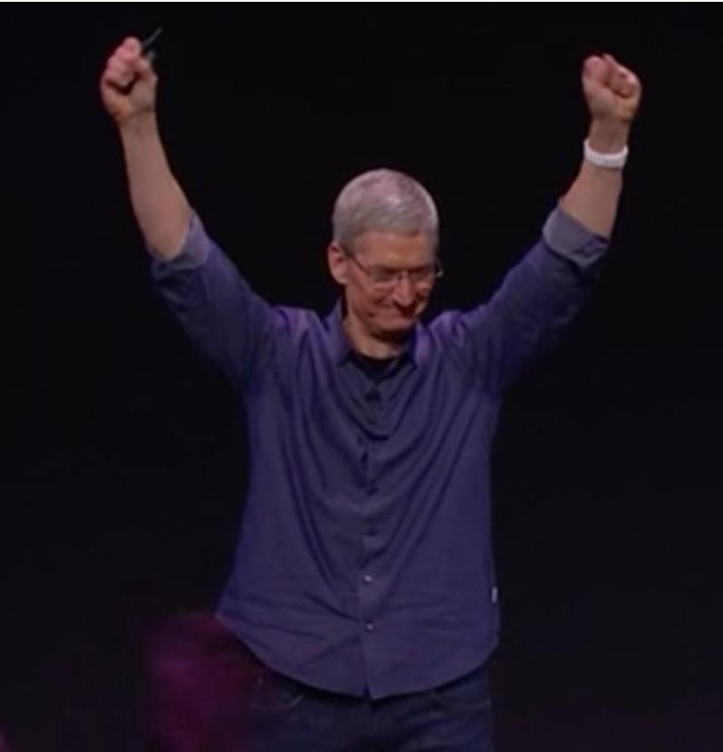 Tim Cook Apple ha venduto più orologi di Rolex, Swatch e tutta l'industria Svizzera insieme