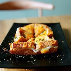 Garlic Cheese Toast 마늘 치즈 토스트