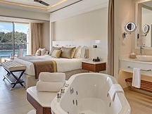 medium_Luxury-Junior-Suite-Ocean-View_32
