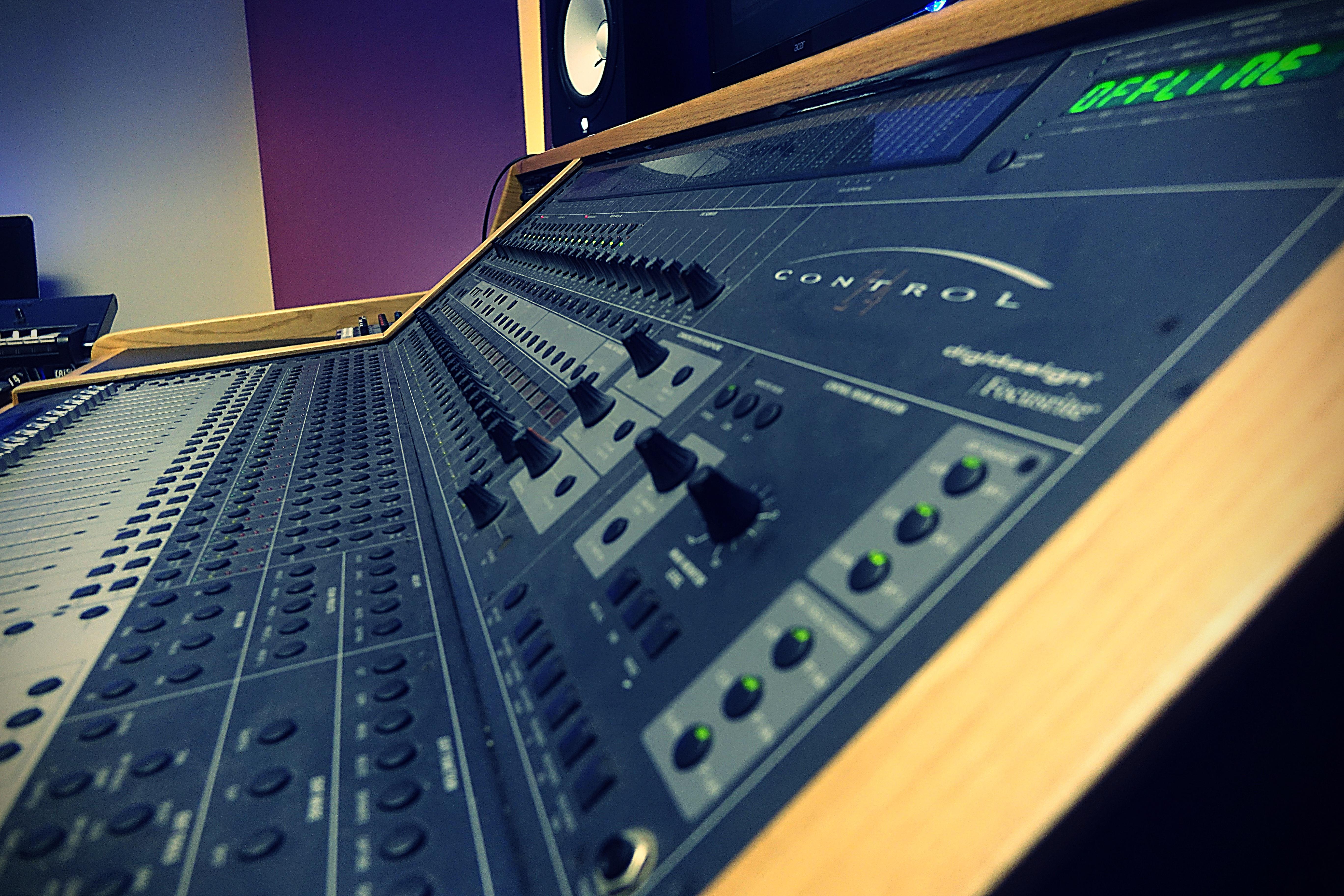 TRIAD Recording- Control 24