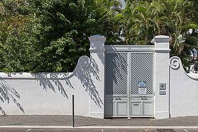 Poerail villa Rivière.jpg