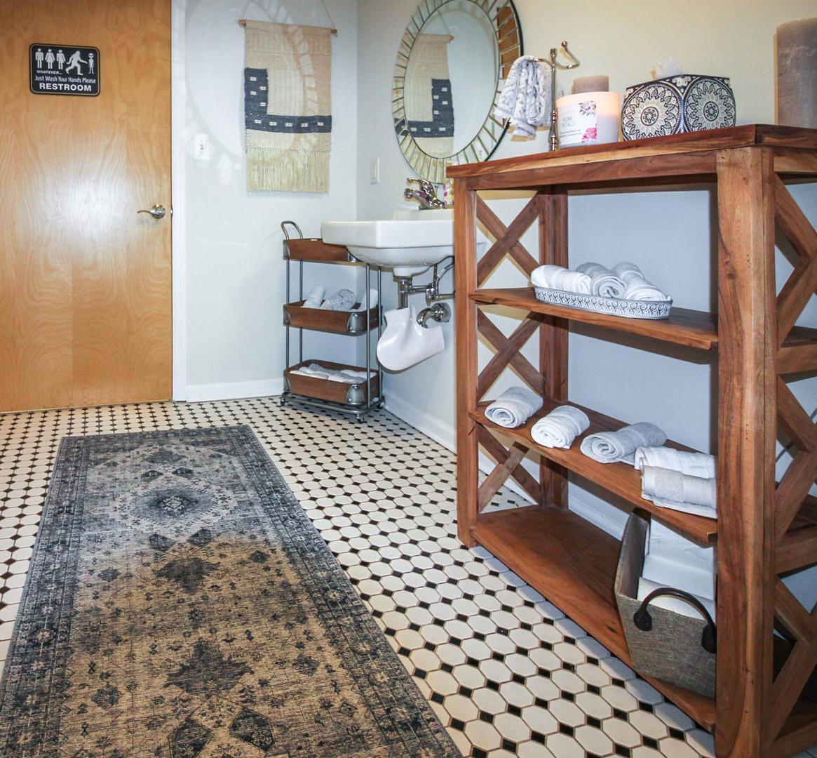 spa_restroom.jpg