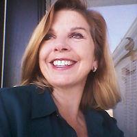 Peggy-headshot-higher-re1-3-400x400.jpg