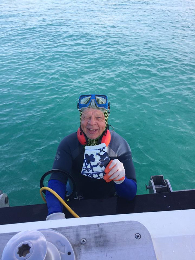 M/V Perfect Day recovers Kang Hsi porcelain