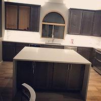 Eye-catching kitchen remodel using _ariz