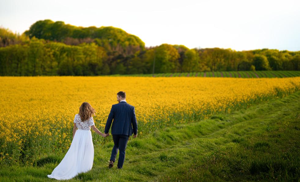 Hochzeitsshooting im Feld