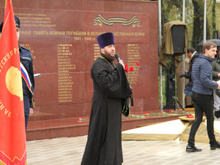 Митинг в честь Великой Победы в микрорайоне Белая Дача