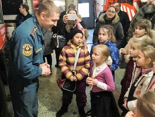 Знакомство воспитанников воскресной школы г. Люберцы с самоотверженной профессией пожарного