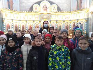 Экскурсия для учеников по Владимирскому храму
