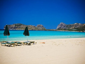 Фаласарна - прекрасный песчаный пляж с кристально чистым морем на острове Крит!