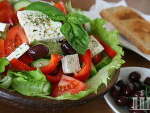 Греция на тарелке - немного о греческой кухне и рецепт традиционного блюда.