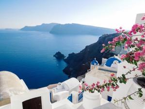 Санторини был назван лучшим островом Европы!