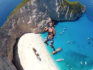 Это самый невероятный прыжок с парашютом в мире: пляж Навайо, остров Закинтос (Видео)