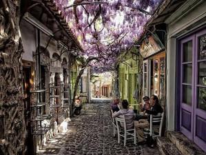 Самая красивая улица мира находится в Греции