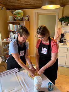small-private-tours-italy-food-wine-cookin