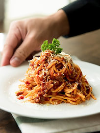 small-group-tours-italy-food-bolognese.j
