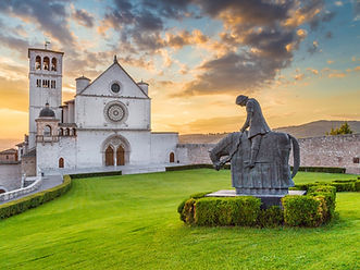 small-group-tours-italy-hilltown-assisi-
