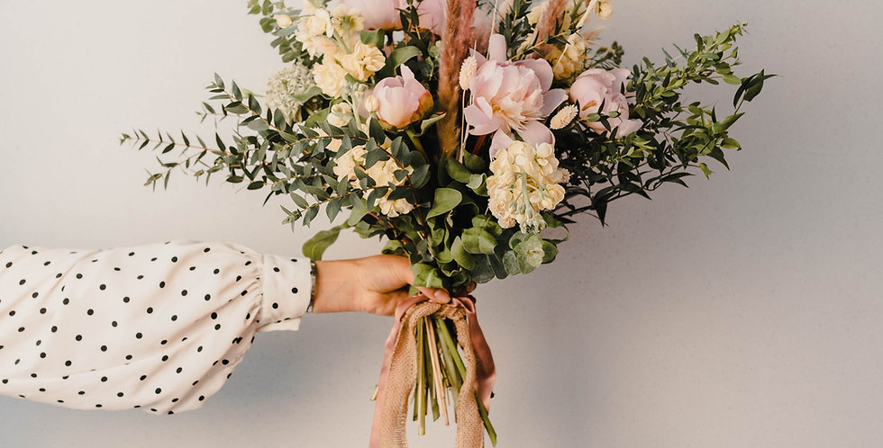 """The """"Natasha"""" Luxurious Extra Large Bloom Bouquet"""