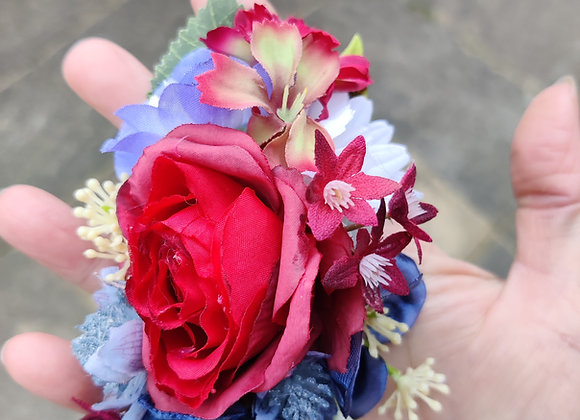 Small corsage