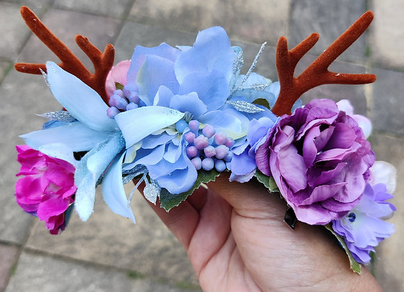 Blue and mauve antler crown