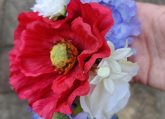 Classic red poppy hairflower