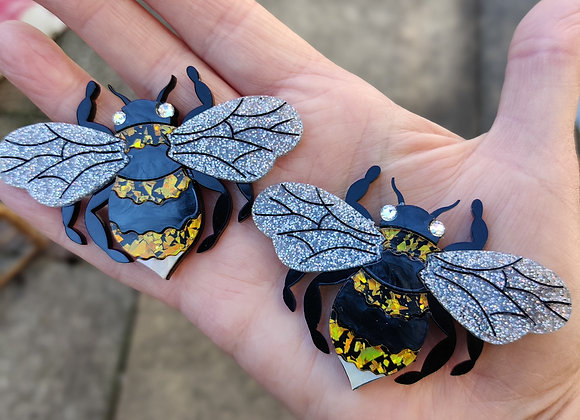 Bumblebee brooch