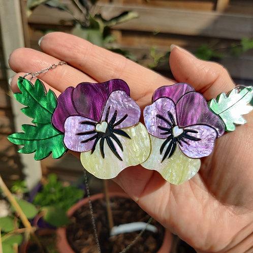Viola Cream Necklace