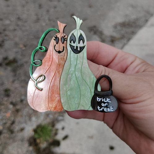 Ma 'n' Pa Gourd Brooch
