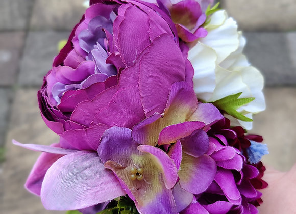 Large magenta hair flower