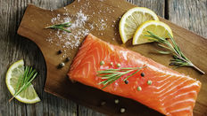 salmon with lemons