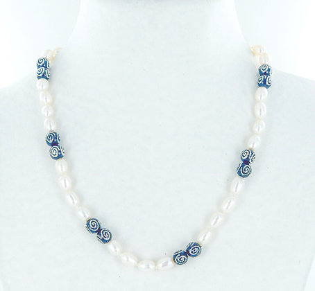 White pearl with black silver beads necklace