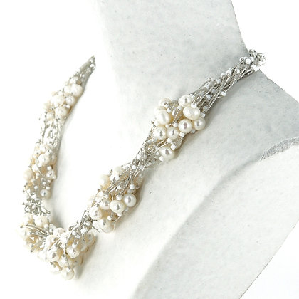 Pearl clusters necklace